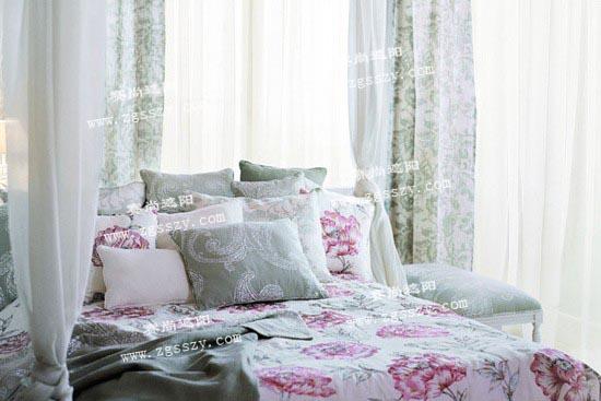 窗帘布艺不仅本身就具有良好的装饰效果,所以对于中式风格装