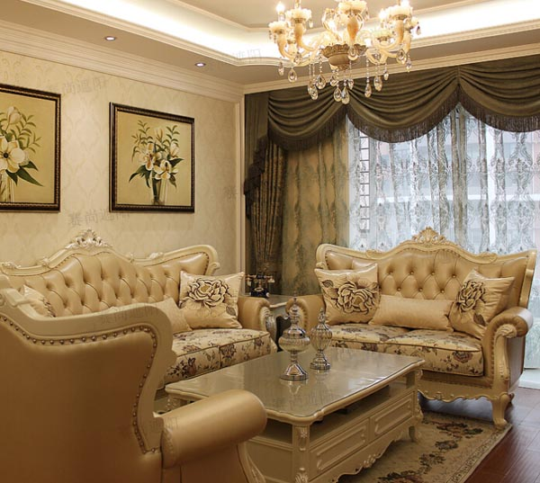 欧式装修风格客厅搭配电动窗帘